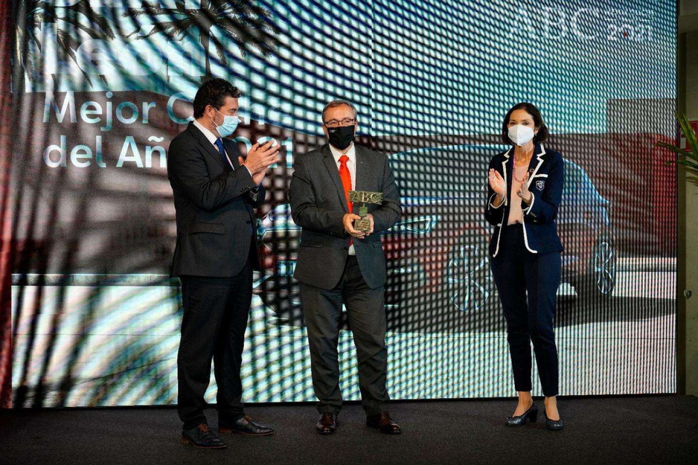 El-SEAT-Leon-recibe-el-premio-ABC-Mejor-Coche-del-Ano-2021_01_HQ